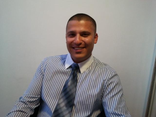 דני וידיסלבסקי מציג את תמיר לויים - cut-com | ייעוץ ארגוני | ייעוץ כלכלי
